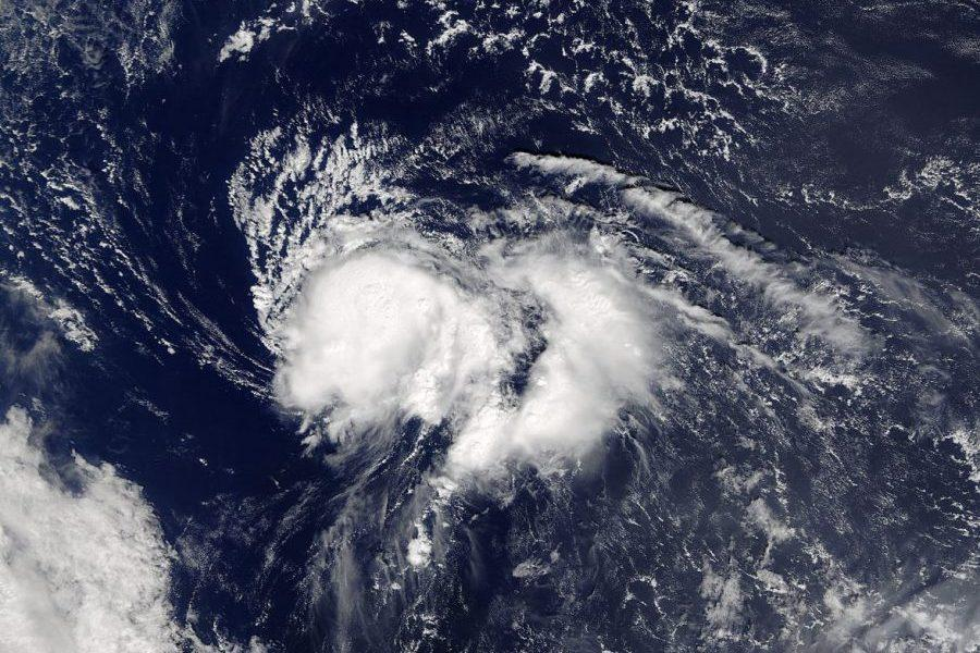 The+hurricane+continues+to+make+its+way+towards+the+coast+as+its+strength+increases.