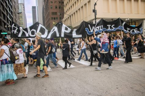 Chicagoans protest the Dakota Access Pipeline. Photo provided by: Flickr User Bob Simpson.