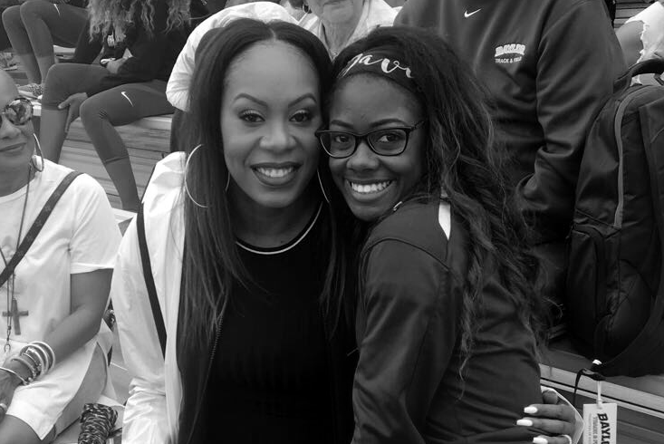 De'ja Davis (right) poses with a Olympian Sanya Richards-Ross.
