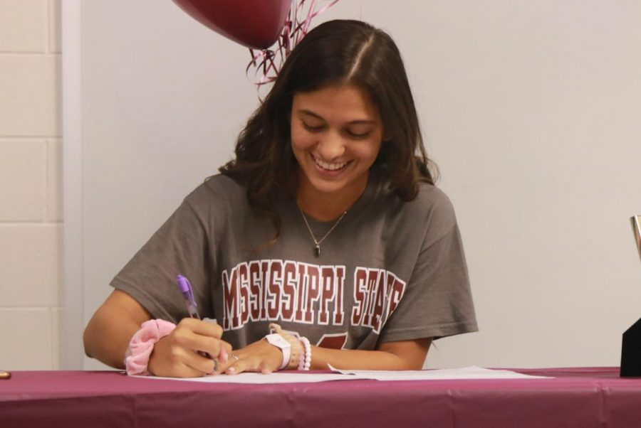 Miranda Carrasco signs her national letter of intent to Mississippi State.