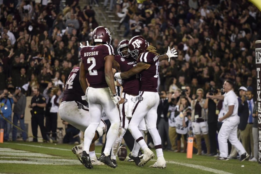 Aggie+teammates+celebrate+after+their+LSU+victory