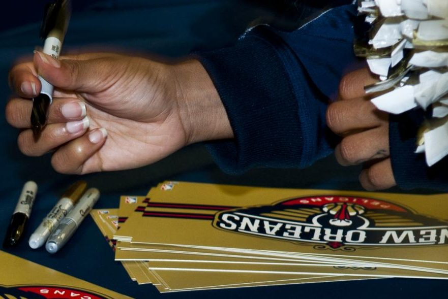 Pelicans players signing New Orleans Pelicans customized cards