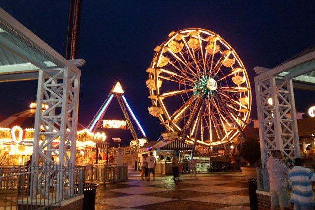 A+ferris+wheel+at+Kemah+Boardwalk